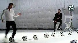 Beckham interpreta Beethoven con el balón