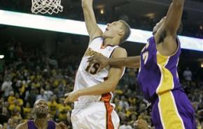Andris Biedrins renueva con Golden State Warriors