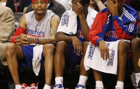 Allen Iverson ya hace de las suyas en los Pistons