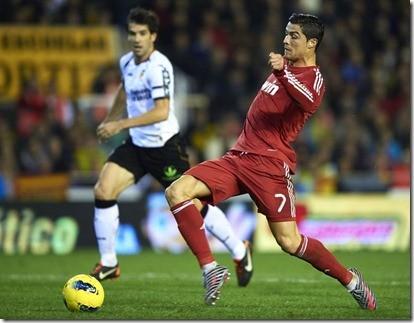 Cristiano Ronaldo Valencia CF v Real Madrid yYrKqpSsR_bl