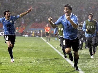 Luis Suarez Uruguay 2011