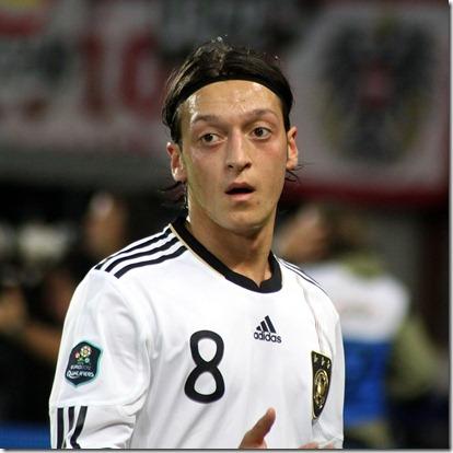Mesut_Özil,_Germany_national_football_team_(02)