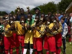 El sueño de jugar al fútbol en Reino Unido se hace realidad para 8 adolescentes de Ghana