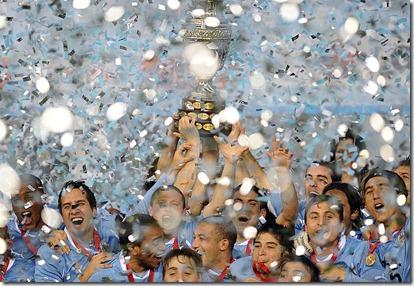 Uruguay-festejo-Campeon-2011